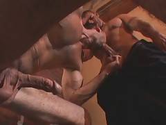 Mature Bear And Big Toned Guy Exchange Blowjobs 3