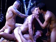 Hottie Ian Jay begins by servicing Gabriel D`Alessandro`s uncut fattie until Gabriel invites Erik in to piss all over Ian`s face and mouth.
